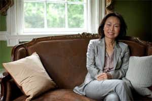 Meredith Jugn-En Woo, who has served as the dean of the College of Arts & Sciences since 2008, will return to the College and focus full-time on teaching and research in 2014.